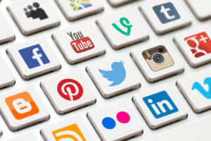 Social-Media-Icons-Keyboard