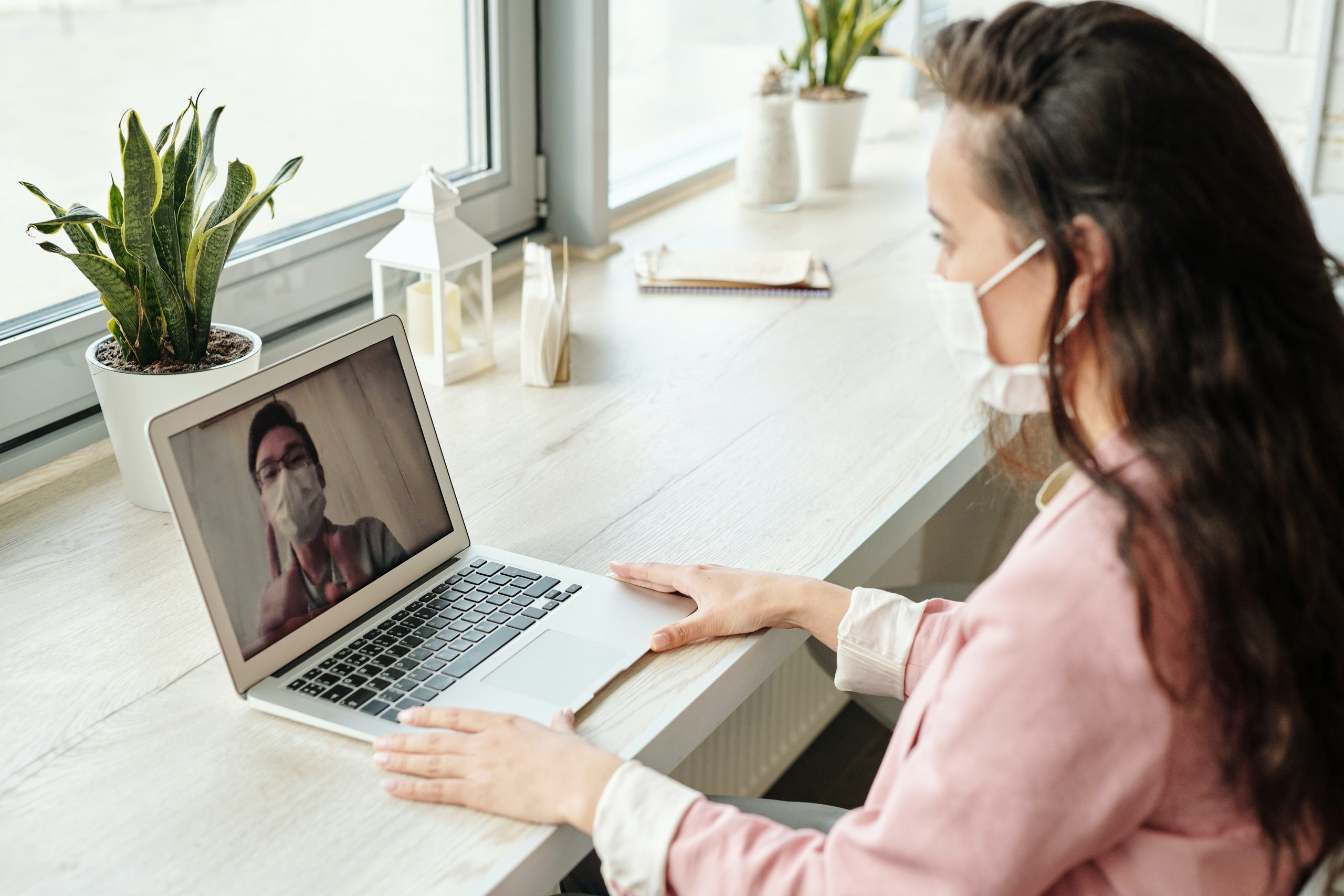 video-conferencing-with-a-mask-on