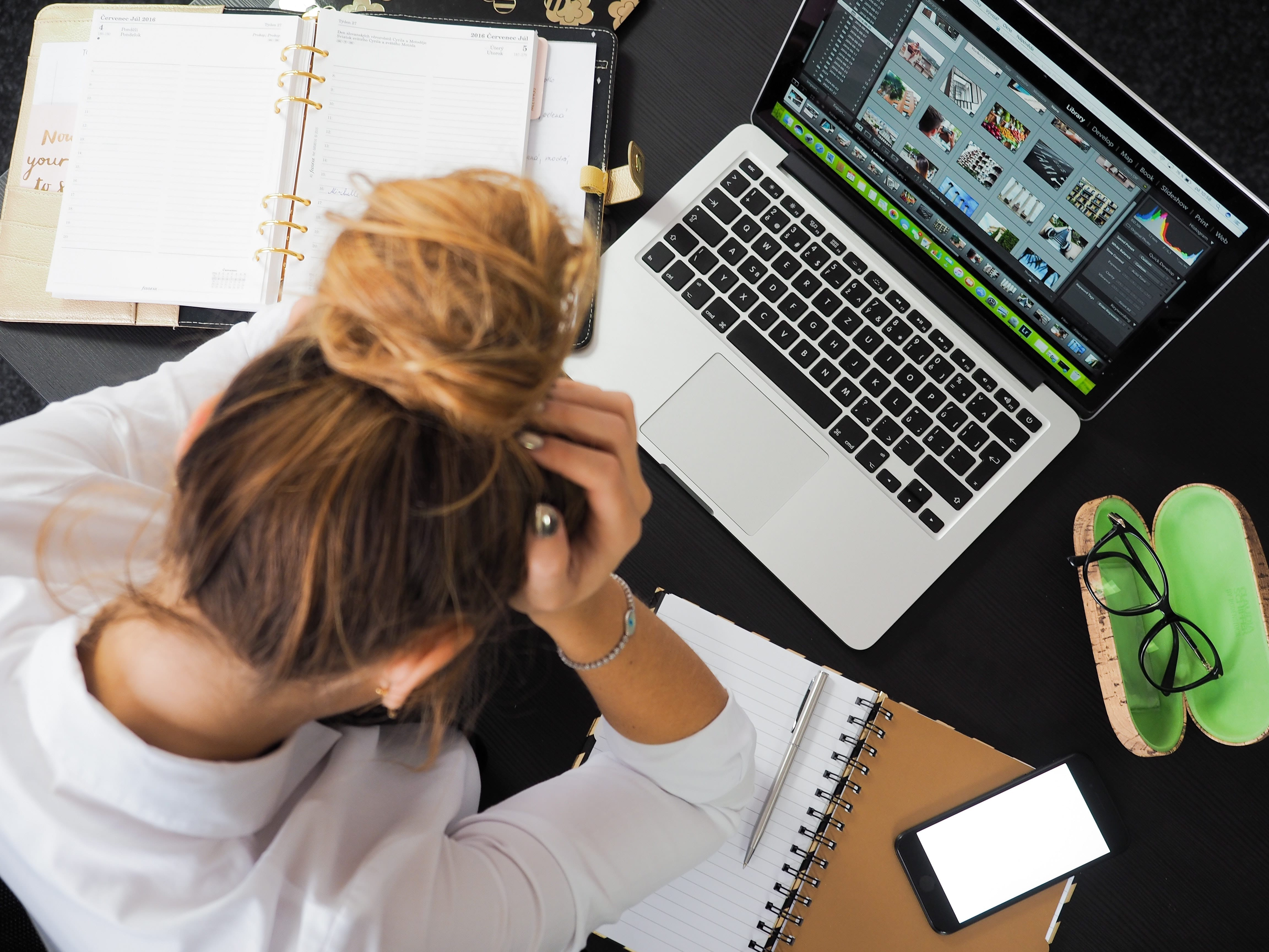 stressed-worker-at-work-desk